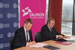 Umowę podpisują wiceprezes TAURON PE Krzysztof Zawadzki oraz rektor UE w Katowicach Leszek Żabiński.