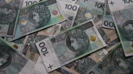 Święta z kredytem lub pożyczką? Sprawdź na co uważać, wybierając ofertę LIFESTYLE, Finanse - Mimo że przeciętne wynagrodzenie nad Wisłą z roku na rok jest coraz wyższe, część Polaków w czasie świątecznej gorączki zdecyduje się na zaciągnięcie kredytu lub pożyczki.