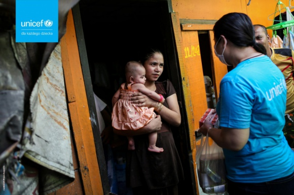COVID-19:Pod koniec roku liczba dzieci żyjących w ubóstwie zwiększy się o 86 mln LIFESTYLE, Finanse - Bez podjęcia natychmiastowych działań, pod koniec roku nawet 672 mln dzieci może żyć w ubóstwie w krajach o niskich i średnich dochodach. Analizę przygotował UNICEF i organizacja Save the Children.